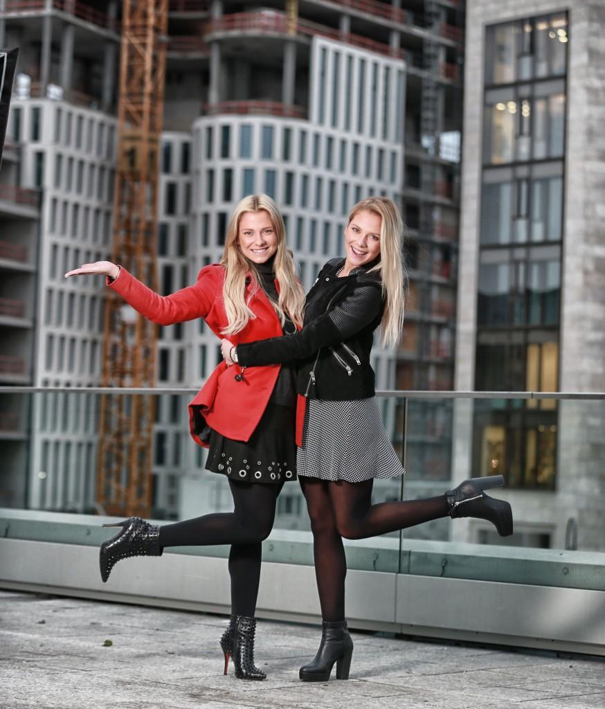 Valentina  ( in rot ) und  Cheyenne Pahde FOTO: FRANK SENFTLEBEN